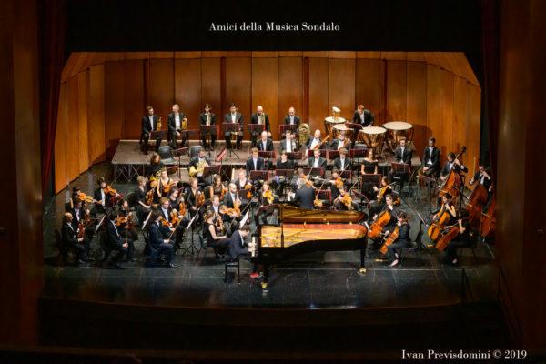 Filarmonica e Giuseppe Albanese Sondrio credit Amici della musica Sondalo